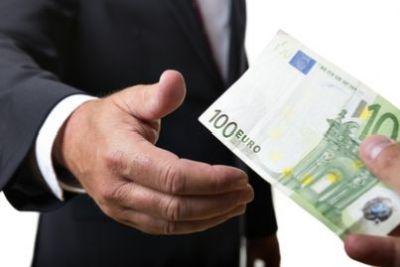 Roma, corruzione e turbativa: arrestati dirigenti Asl e imprenditori